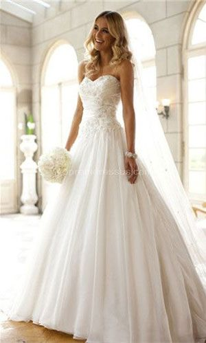Seven steps to getting a wedding dress cleaning and preservation. #weddingdress #weddingdresspreservation www.jueshe-dress.com