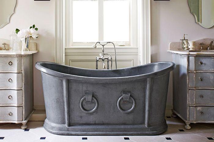 Un tuffo indietro nel tempo per prendere ispirazione e arredare un bagno vintage: dall'Ottocento agli anni '90 del Novecento.