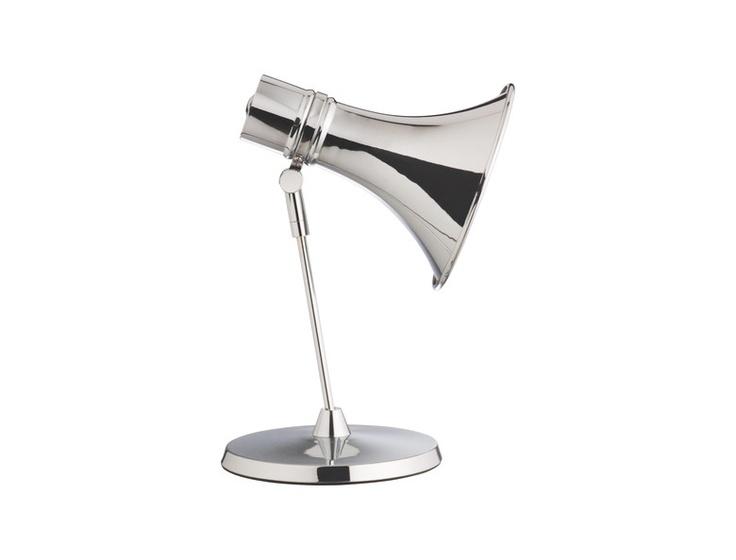 Dias bordlampe i forkrommet metall. Kr. 355,-