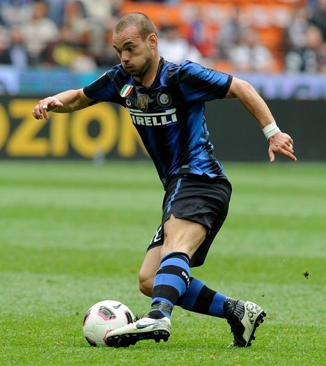 Sneijder in Nike T90 Laser