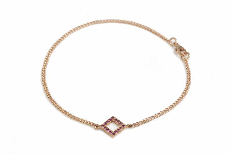 Decoart bracelet with gems (yellow gold)