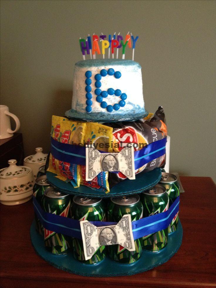Bonbon 16 Geburtstagsgeschenk für einen Jungen. Mountain Dew Soda, Pommes und Süßigkeiten – Killian