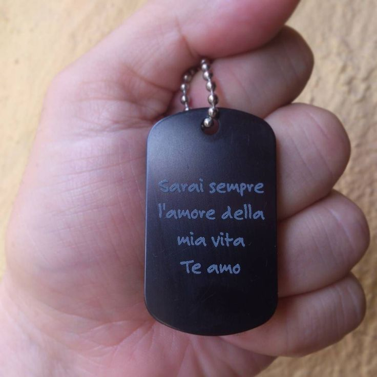 Placa con mensaje en italiano. #Personalizado #mensaje #Bogota #Colombia #negro
