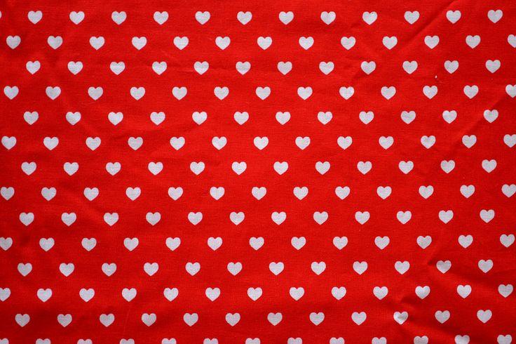 Baumwollstoff   Herzen, rot, weiß   www.feendesign-shop.de