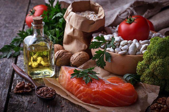 Эксперт о том, какую еду на самом деле «любит» ваш организм и сердце и чем их предпочтения отличаются от ваших.