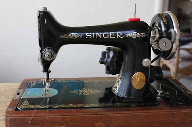 the vintage singer sewing machine blog on pinterest. Black Bedroom Furniture Sets. Home Design Ideas