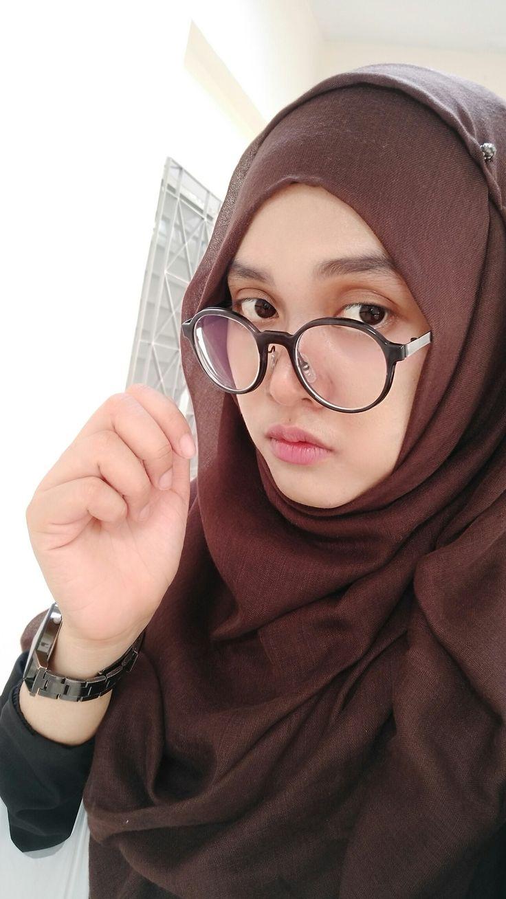 Pin oleh Sukh di Hijab Fashion (Dengan gambar) Hijab