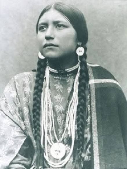 Princess Eat No Meat, a Dakota native, photo from ~1900