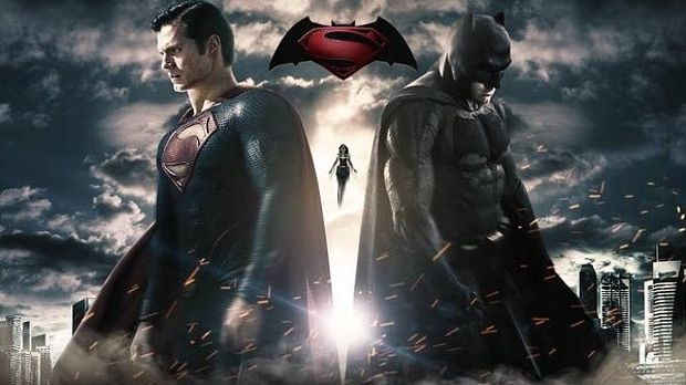 SDCC Surprise Batman VS. Superman Teaser BLOWS Minds Away! Also Gal Gadot As Wonder Woman Pic! | moviepilot.com