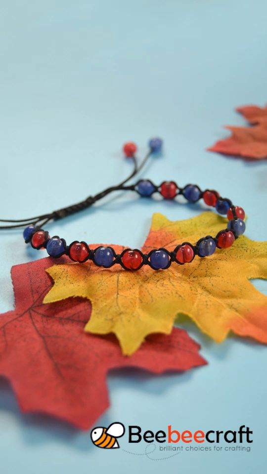 #Beebeecraft tutorial on making #braided #bracelet with #Acrylicbeads.