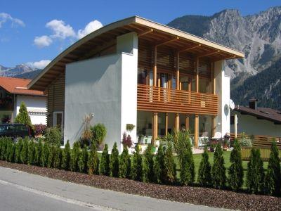 Explicación sencilla de la casa pasiva o casa solar pasiva y sus principios básicos para lograr un importante ahorro de energía y eficiencia energética. #casapasiva #passivhaus #eficienciaenergética #arquitecturasustentable
