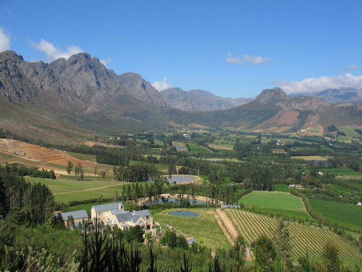 The Cape Winelands.  (greaterstellenbosch2010.wordpress.com)