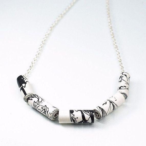 Comic Book gioielli - Upcycled nero e collana di perline di carta bianco fumetti, perlina gioielli, regali Geek, moderno minimale, carta gioielli di carta