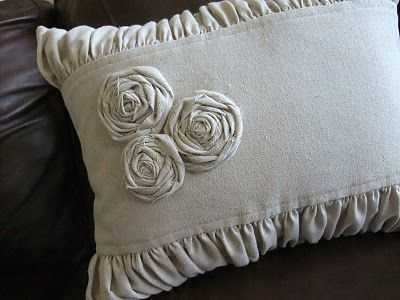 Muslin Pillow tutorial from Just Another Hang Up.  Bookmarked this last year IMMEDIATELY! So fun!