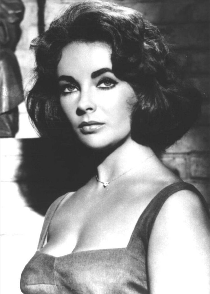 Elizabeth Taylor on the set of 'Suddenly, Last Summer', 1959, one of the best…