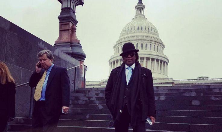 Sergio Vargas Interpreta El Himno Nacional Dominicano En Capitolio Norteamericano