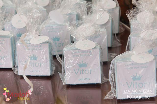 E esse foi o batizado do pequeno Vitor.   Com lindos personalizados feito com muito amor e carinho....                             Confira...