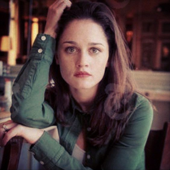 Robin Tunney young