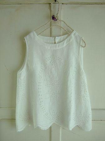 nesessaireカットワーク刺繍ノースリーブブラウスWH - crochet