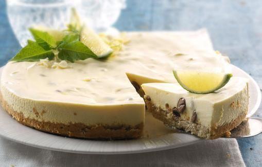Lemon Cheesecake with Chocolate Chips - Juustokeksikakku sulaa suussa. Kuva: Myllyn Paras Oy.