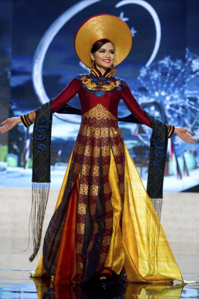 Vietnamese National Dress Miss Universe In 2019 Miss