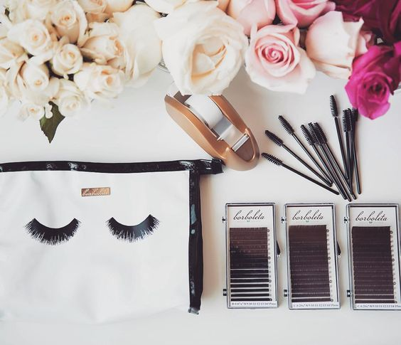 """""""Happy national lash day to all you boss'n lash beauties . We celebrated by training 20 new classic and volume artists in Salt Lake City and another 10…"""""""