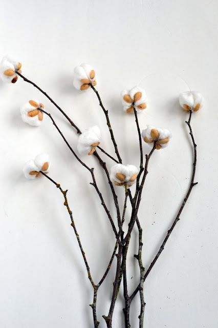 DIY Cotton Stems from Pistachio Shells                                                                                                                                                                                 Más