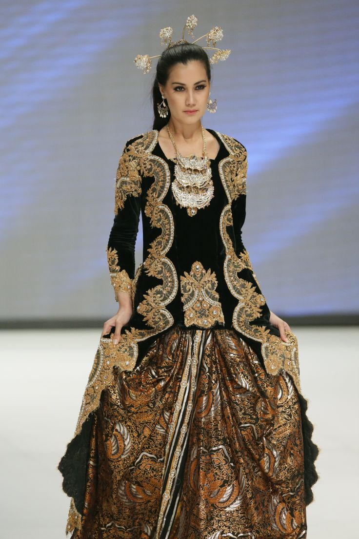 683 best images about indonesian kebaya on pinterest for House of couture