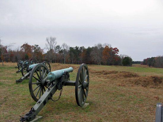 The 10 Biggest Civil War Battles: Gettysburg, Chickamauga, Spotsylvania Court House, Chancellorsville, The Wilderness, Stones River, Shiloh, Antietam, Second Bull Run, and Fredericksburg Charles River