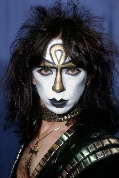 itsonlyparanoia: Vinnie Vincent treba uznať, keď sa KISS uvedený na R & R Hall of Fame obradu ..