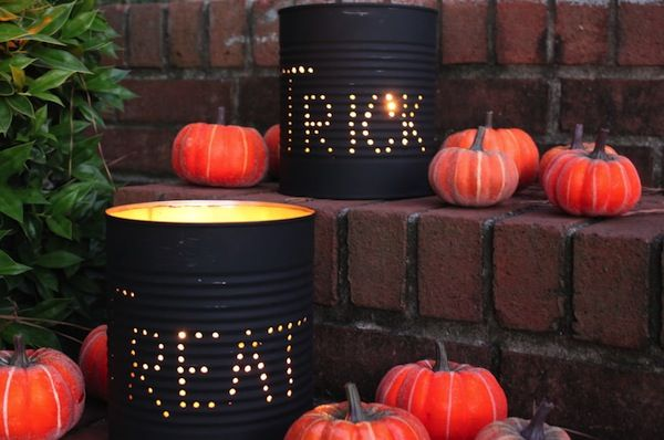 The midnight sky of October 31st, this creative touch to light up your front porch will add meaning to Halloween trick-or-treating! Paired with Jack-o-Lanterns and the festivity of Halloween night this simple DIY can't go wrong!