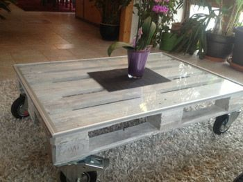 Tisch aus einer Palette