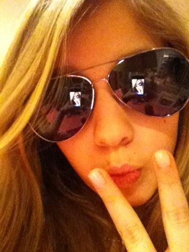 Fino Girl  http://o.aolcdn.com/lifestream/photo/large/AgAAAAAJC6hnLtyhCA