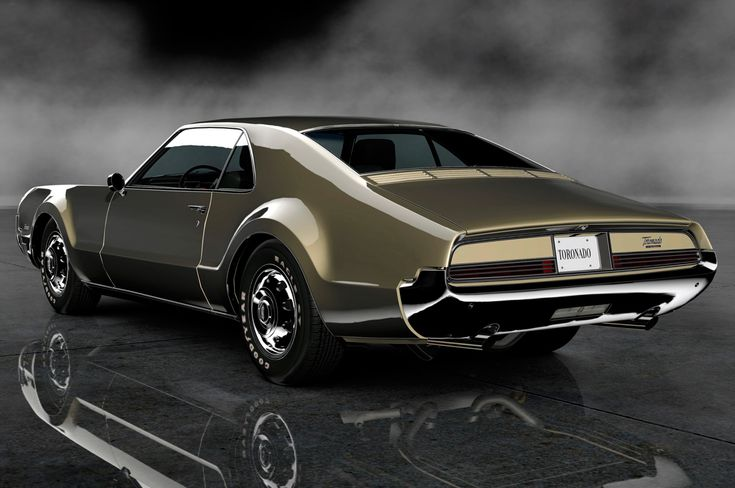 1966 Oldsmobile Toronado 425ci V8 - Detroit designers loved deck louvers back then