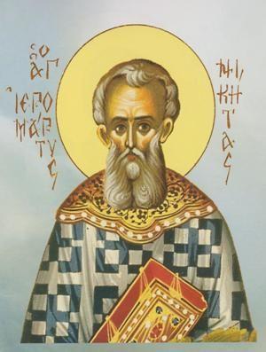 Ο Άγιος ιερομάρτυς Νικήτας καταγόταν από την Βόρειο Ήπειρο και γεννήθηκε στα μέσα του 18ου αιώνα. Η αγάπη του προς το Χριστό ήταν τόσο μεγάλη, ώστε άφησε τα εγκόσμια και πήγε στο «Περιβόλι της Παναγίας» στο Άγιον Όρος, στη Σκήτη της ΑγίαςΆννης, όπου έγινε μοναχός. Με τη χάρη του Θεού, χειροτονήθηκε διάκονος και μετά έλαβε το αξίωμα της ιεροσύνης στην Ιερά Μονή Παντελεήμονος. Μετά από πολλή προσευχή και με τις ευχές των Πατέρων της Σκήτης, ξεκίνησε για τον μεγάλο αγώνα να βοηθήσει τους…