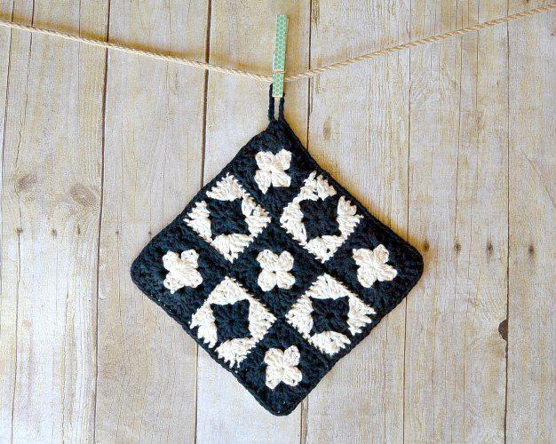 Modern Granny Square Crochet Potholder | Crochet | Pinterest