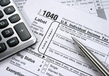 How to stay organized for tax season. Tips & Tricks from Premium-Digital.com #business #management #tips #organization #officeorganization #officemanagement #finance #accounting #digitalofficesolutions