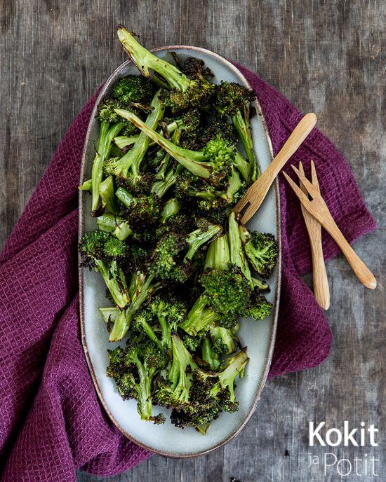 Paahdettu parsakaali aasialaisittain – Asian roasted broccoli. #broccoli #salad #asian #fingerfood #recipe #parsakaali #salaatti #aasia #resepti