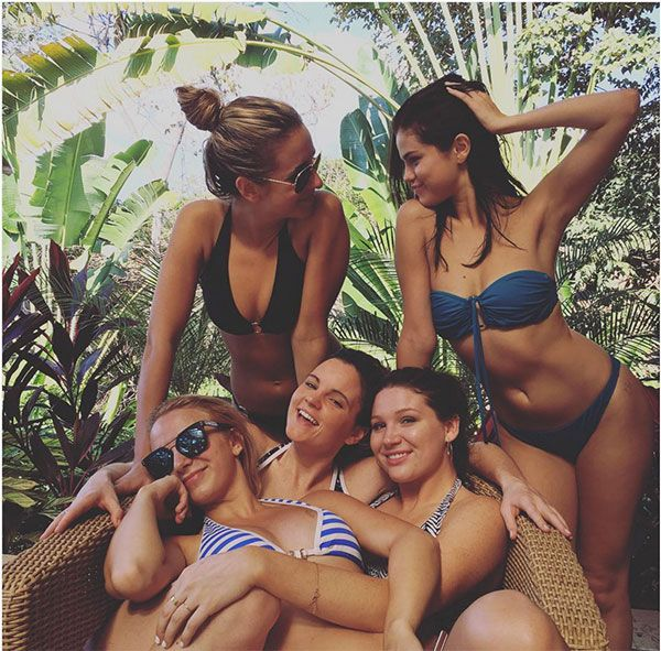 Selena Gomez posts a bikini pic while on vacation with some friends. (Courtesy of Instagram)