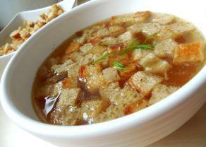 9 česneková polévka