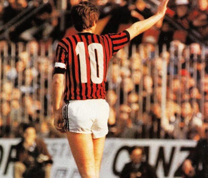 """Gianni Rivera, il """"golden boy"""" del calcio italiano"""