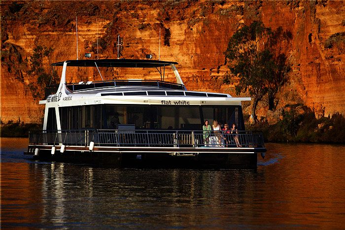 7 Tips for Renting Houseboats on Rivers Houseboat vacations have increased in popularity and they are now overtaking traditional fun activities like camping and hotel accommodations.