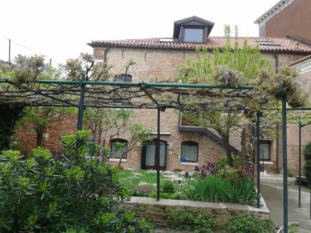Casetta nel cortile del Collegio dei Gesuiti di Venezia