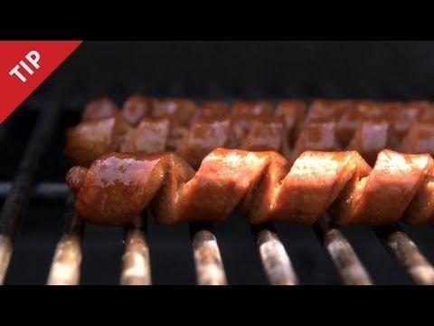 Spiral cut hotdogs....ooooh....fancy.  I'm always up for new hotdog ideas!