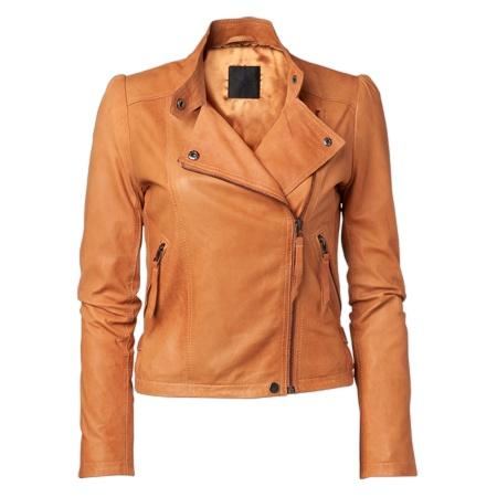 MQ - JUST FEMALE  Mile leather jacket  Mjuk skinnjacka med två fickor framtill. Knäppning med dragkedja åt vänster. Detalj med knapp vid halsen. Indrag på sidorna nertill. Lammskinn 2.349 kr