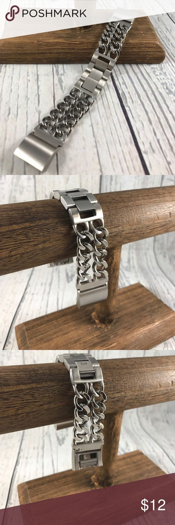 Fitbit Charge 2 Silver Chain Band Size small medium. In very good condition. Replacement Band for the Fitbit Charge 2. Not Fitbit Brand. generic Accessories Watches