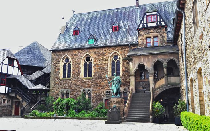 Solingen Castle, near Wuppertal is well preserved and really worth a visit.