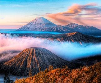 Magnificent Bromo - banyak wisatawan yang datang puas dengan pemandangan di bromo