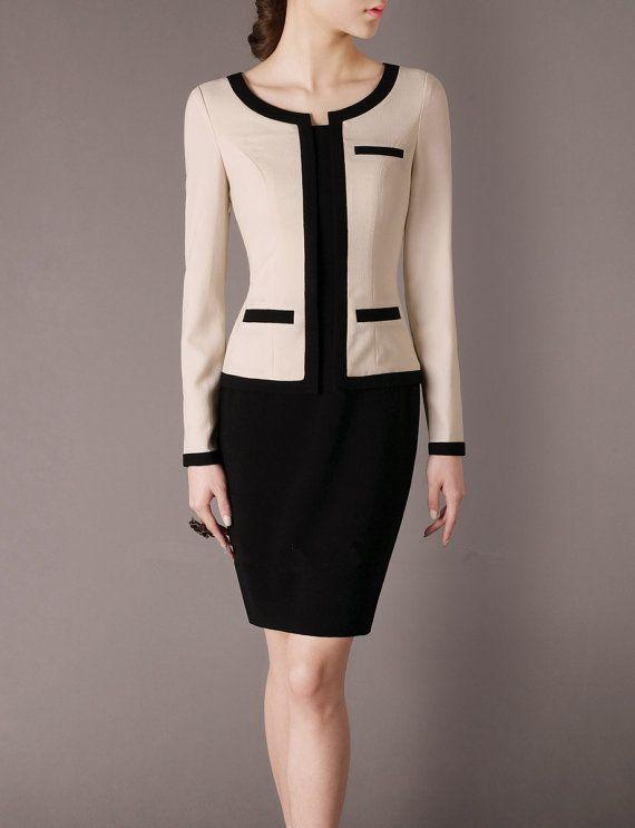 Produto Clássico: Na década de 20 o blazer foi introduzido ao guarda-roupa feminino por Coco Chanel. Voltou a ter grande importância na moda na metade dos anos 60. Desde então, o blazer se tornou peça-chave para o guarda-roupa feminino. Ele representa o símbolo da evolução feminina ao longo do tempo.