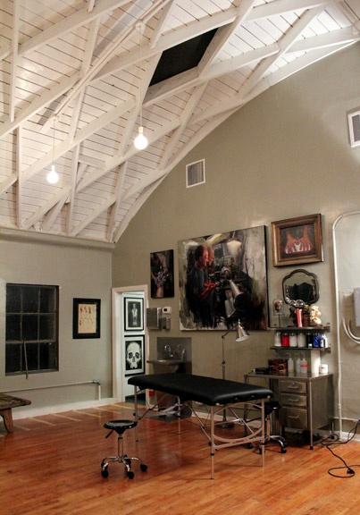 23 best tattoo studio interiors images on Pinterest | Tattoo studio ...